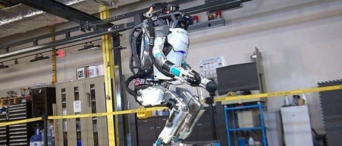 "Boston Dynamics'in Takla Atan Robotu ""Atlas"""
